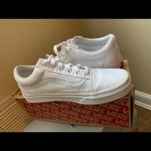 """Vans """"Canvas Old Skool"""" Sneakers"""